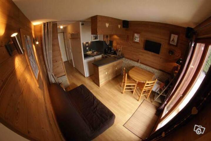 studio avec chambre avec vue montagne
