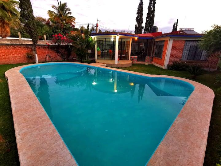 """""""Casa Yauhtli"""" con piscina a 20min de Tepoz."""