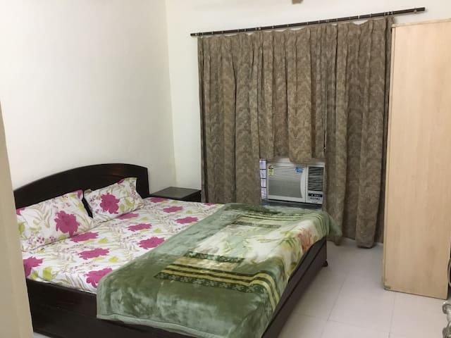 Pancham Private Bedroom Noida Sector-52  Metro