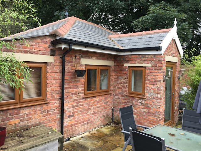One bedroom self contained lodge in Prestwich, Mcr