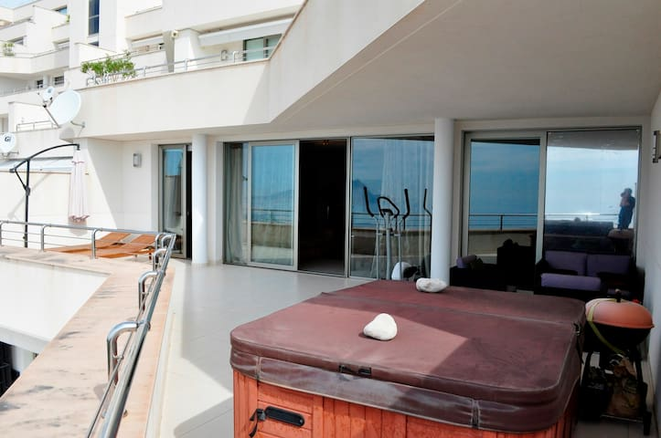 Residential Grand Luxury