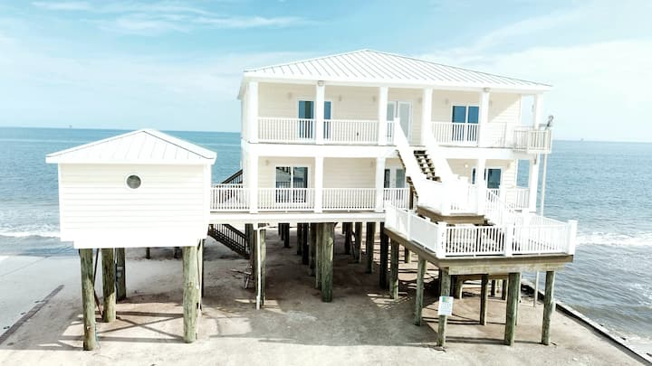 Shamrock Shores - Gulf-front 6 Bedroom Beach House Two living areas and two kitchens- plenty of room for your extended family or group