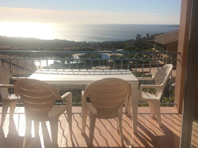 SUPERBE VUE MER Appt/terrasse 47 m2 Piscine