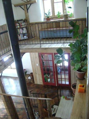 Maison famililale écologique au coeur de la nature - Sainte-Lucie-des-Laurentides - Flat