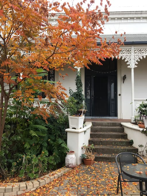 Front entrance and verandah for guests private use
