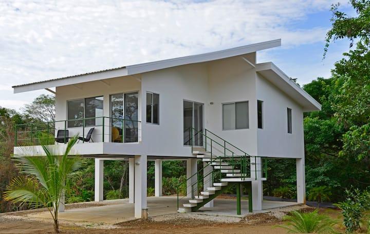 A102 MONKEY HOUSE- 5 PAX