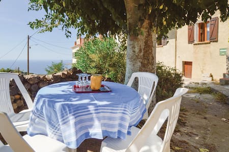 Holiday apartment with 2 bedrooms on 51m² in Calcatoggio