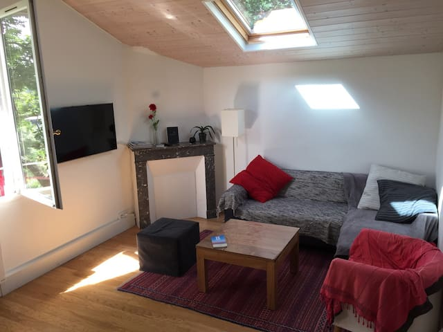 1 bedroom flat close to the beach