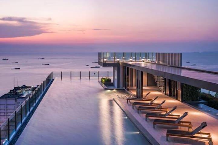N6 泰多美。品牌民宿❤️the base❤️ 市中心无边泳池300米海边 特价一房