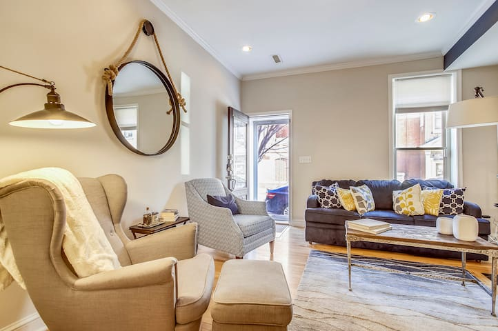 Luxury Rowhouse in the heart of Little Italy!