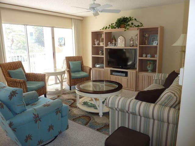 Sanibel Siesta on the Beach unit 101