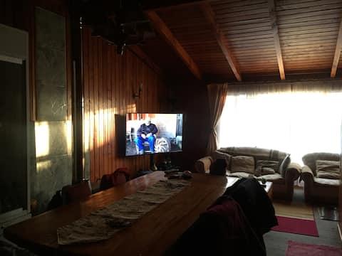 Casa de madera con excelente ambiente familiar