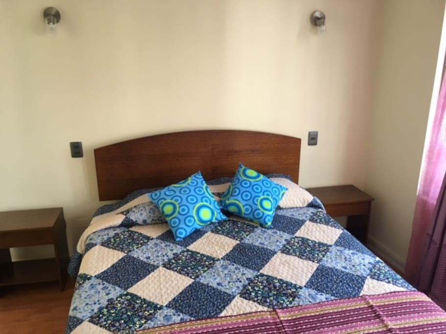 Pieza Principal cama Americana