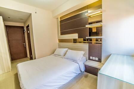 Sudirman suite Studio Apartment - Apartment