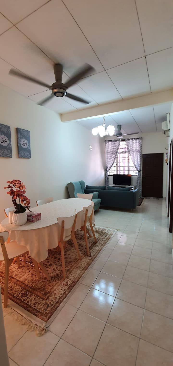 Wak Homestay-2 bedrooms 1 bathroom easy acces KL