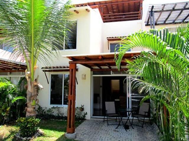 """Exclusiva casa en """"Villas Terrasol Diamante"""""""