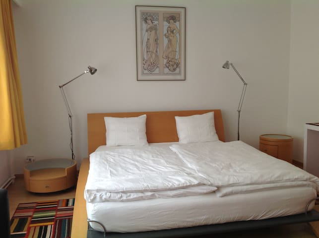 VITALE,self-catering room, close to Town Hall