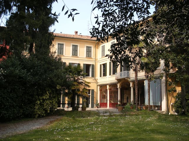Villa Cavadini Relais, between Milano and Como (1)