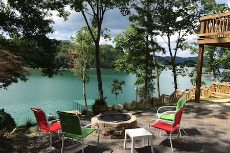 BEAUTIFUL NORRIS LAKE FRONT HOME W/PRIVATE DOCK - Maynardville - 独立屋
