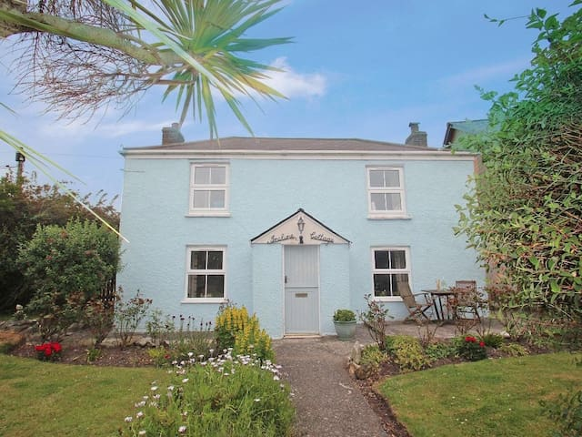 INCLINE COTTAGE, pet friendly in Portreath, Ref 959224