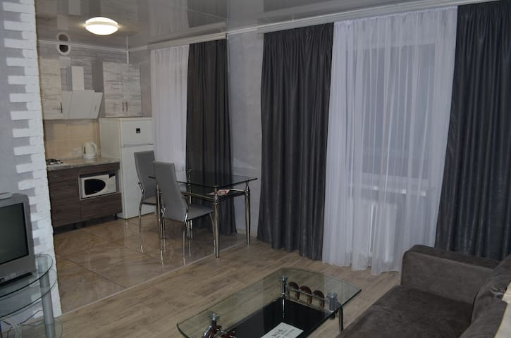 Lux Apartment on Petra Kalnishevskogo city centre
