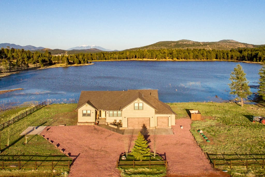 Newly built luxury lake front home houses for rent in for Fishing in williams az