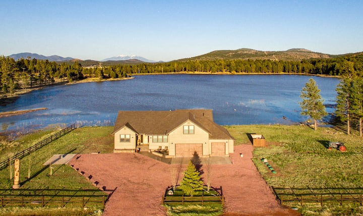 Lake Front Home, near the Grand Canyon & Golf