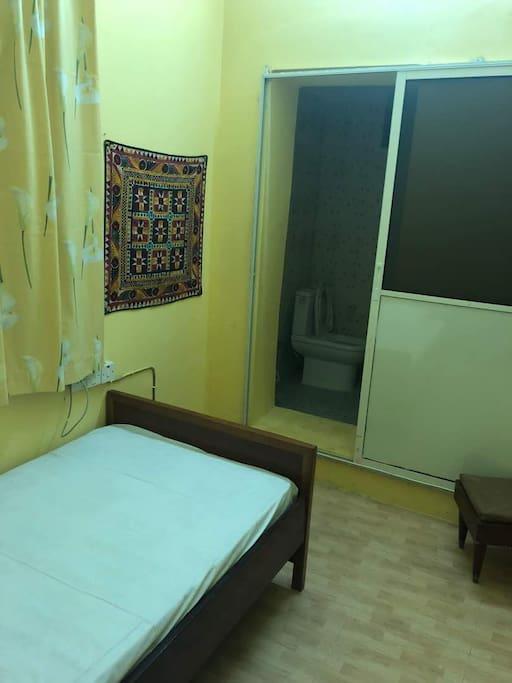 Ex Ultrasound Room turned into a single bedroom, en-suite