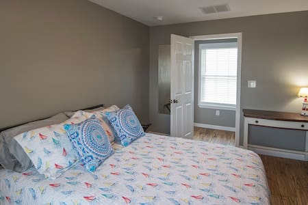 Island Time B&B (Room #3-Queen room $175)