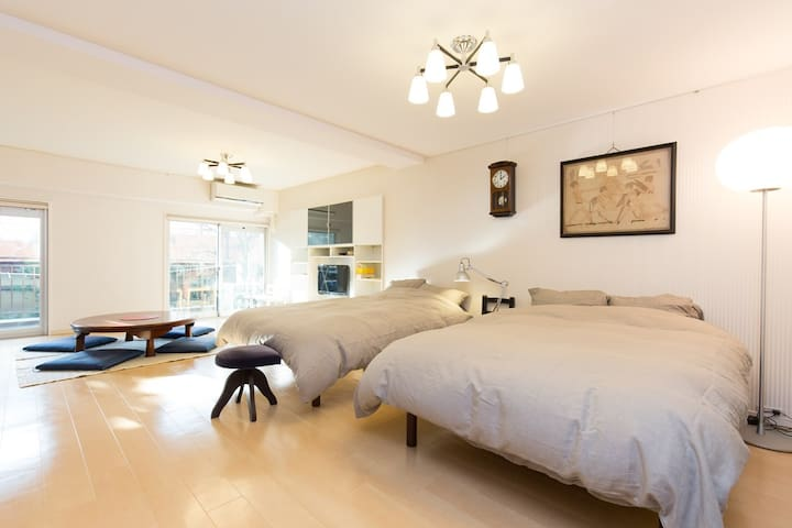 Spacious Apt with Broadband, just 3min>IchigayaSTA - Shinjuku-ku - Apartamento