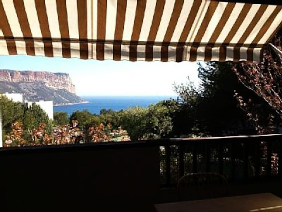 Studio vue mer piscine cassis apartments for rent in cassis provence alpes c te d 39 azur france - Piscine municipale cassis nice ...