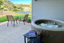 Guests have full access to the hot tub. Relax and enjoy the beautiful views.