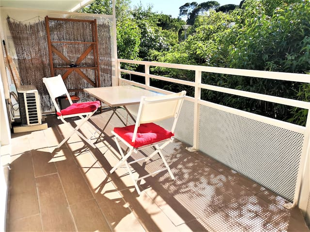 Jolie T2 avec belle terrasse équipée d'un BBQ ;)