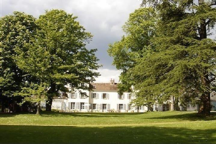 Fontainebleau, Le Grand Vu - Vulaines-sur-Seine - House