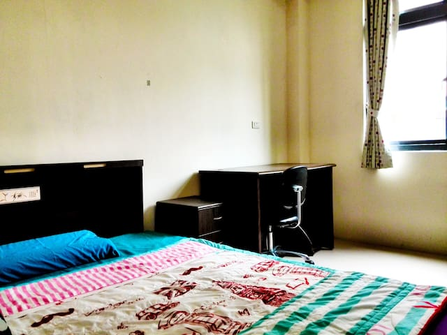 Cozy,simple and super convenient ! - Zhunan Township - Apartament