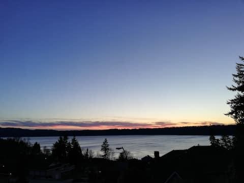 Lake View Retreat / Office getaway