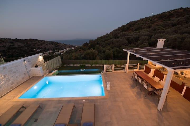 """""""INDER"""" Sea view Villa - private swimming pool !"""