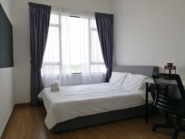 Executive Queen Bedroom MSU, Sunway, Stadium