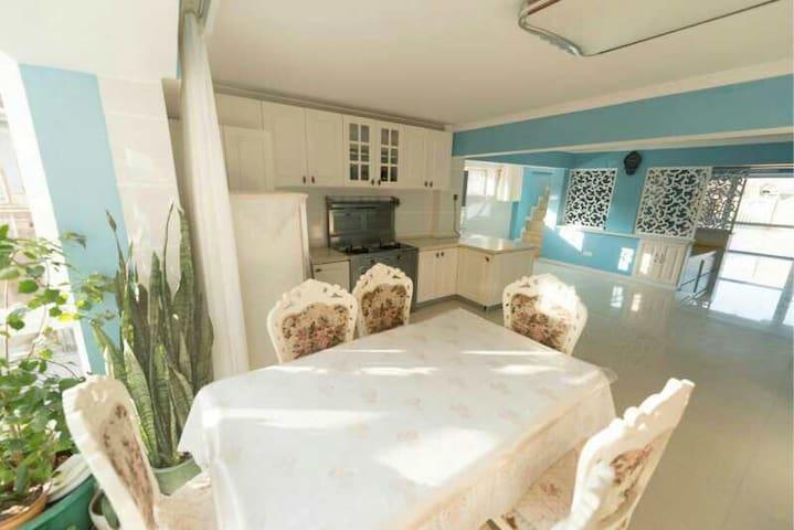 海岛小城海滨复式庭院主题民宿,花园烧烤农家院