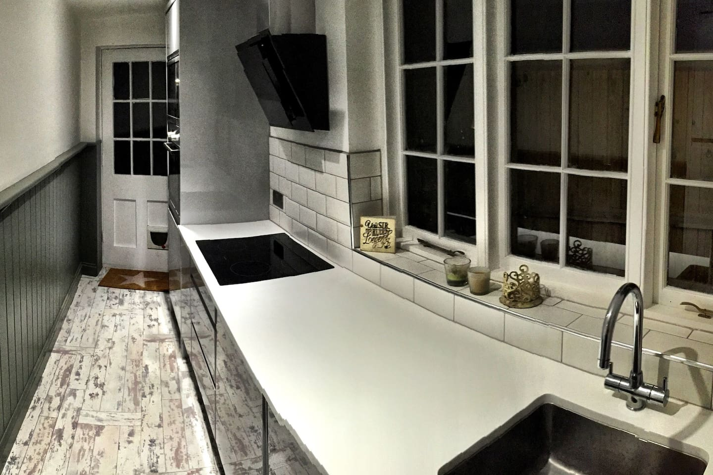 Cool kitchen. Integrated everything!