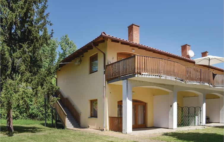 Holiday apartment with 1 bedroom on 45m² in Fonyód