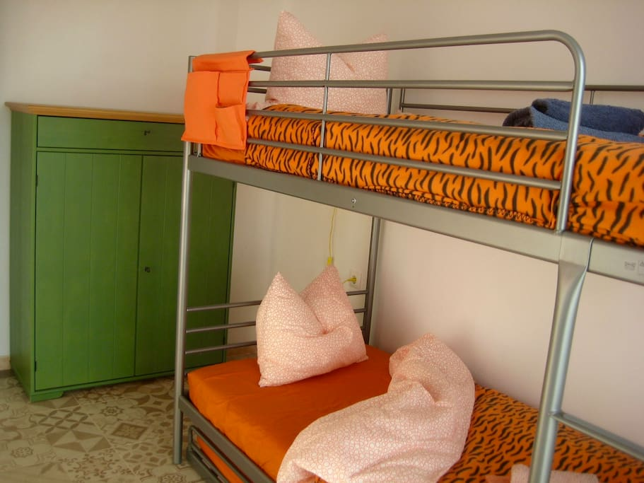 bunk room (3 beds) with drawer