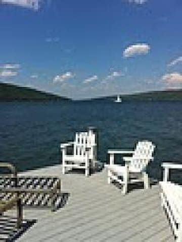 Romantic cottage on beautiful Keuka Lake w/views - Hammondsport - Rumah
