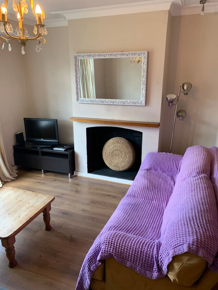 Double room for long term stay in shared house.