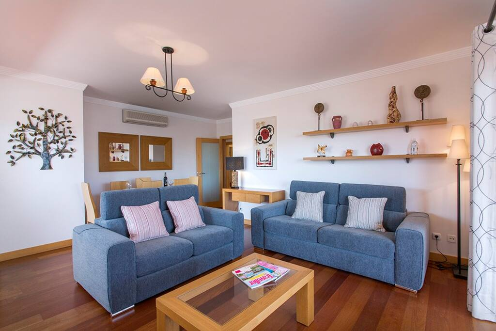 Spacious living room with UK TV channels and internet access