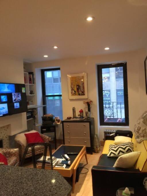 Living room/ door to outside