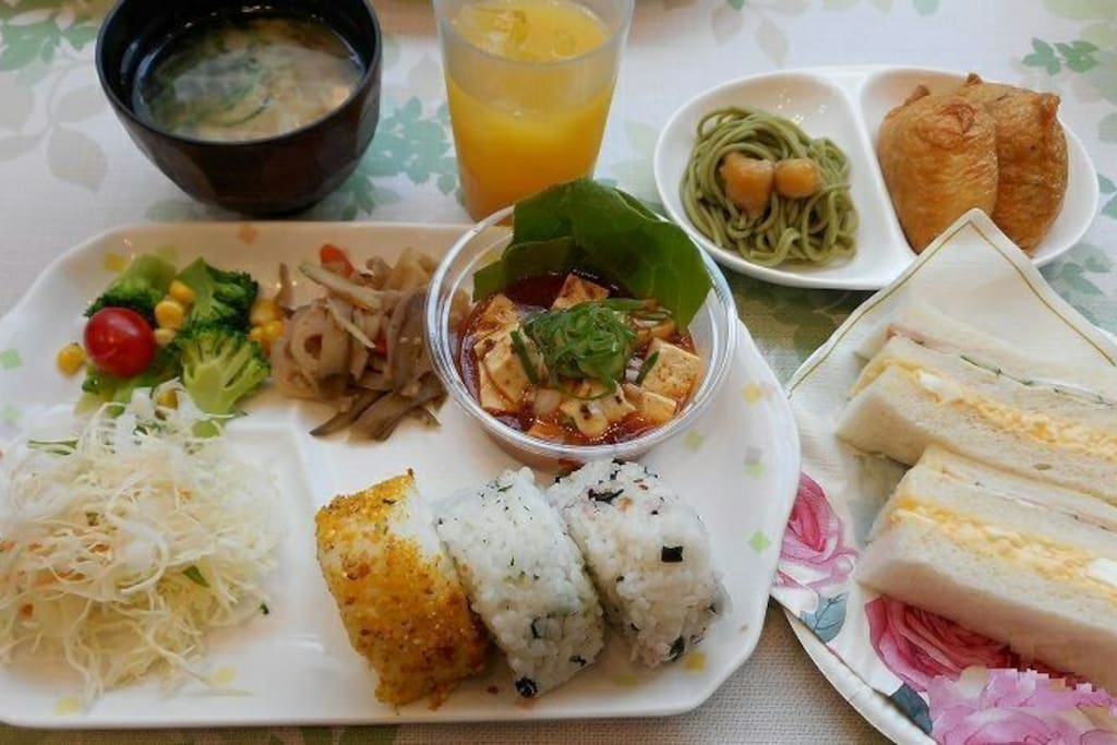 Free Breakfast of Western & Japanese style 無料和洋朝食付き