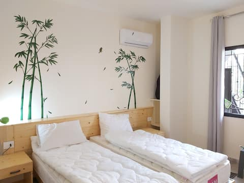 Makazi Gardens- Bamboo apartment and rooftop