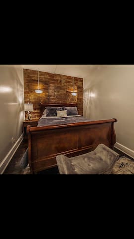 Boone Trace Inn, Majestic Bedroom #4