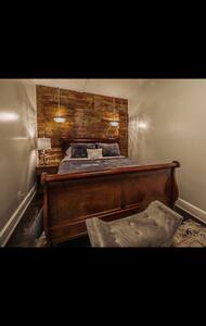 Boone Trace Inn, Majestic Bedroom #4